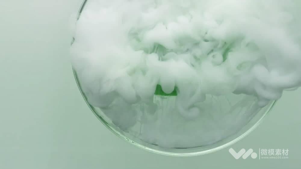 绿叶水滴植物精华视频素材